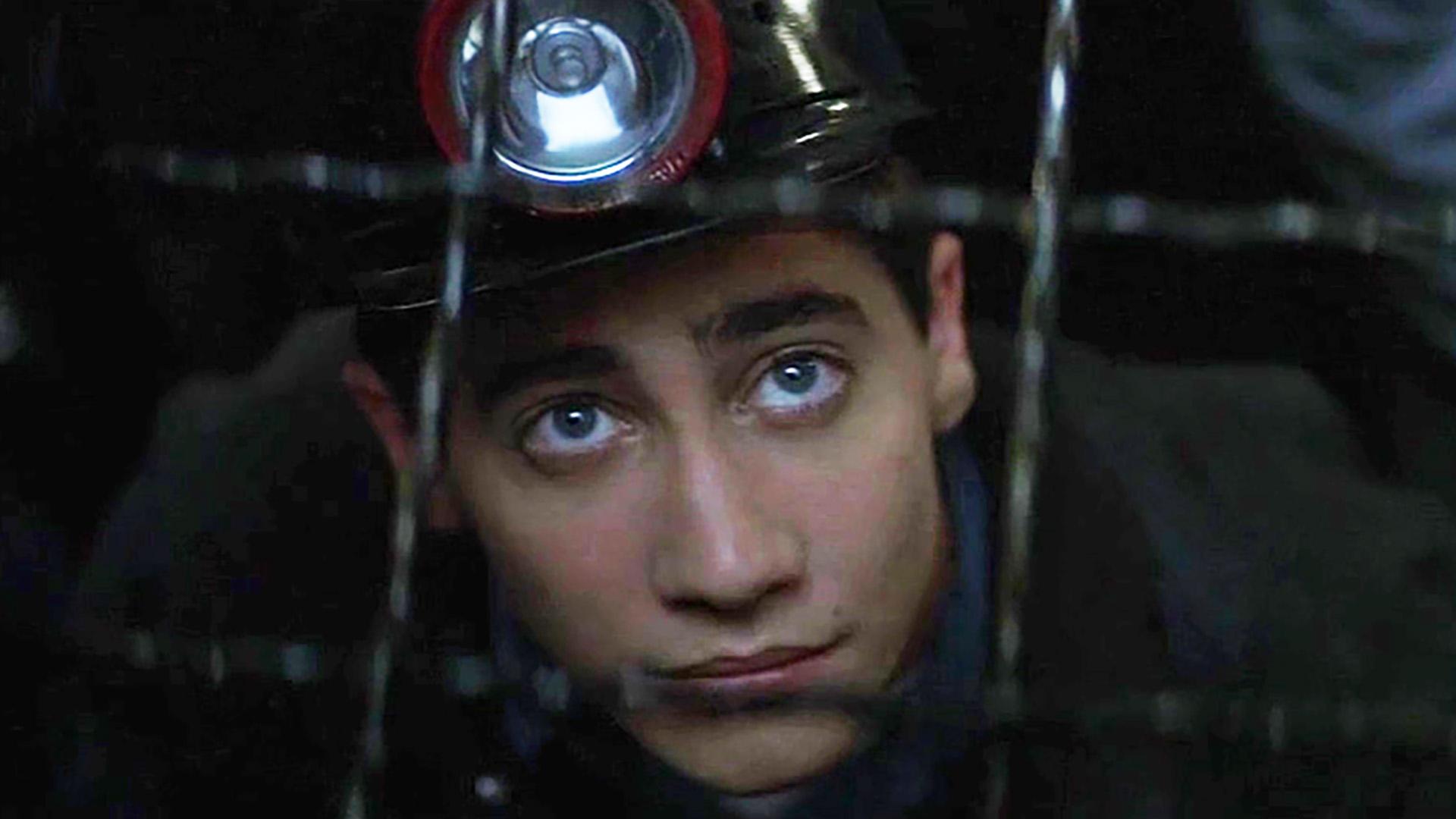 真人真事改编电影,被人嘲笑的挖煤男孩,竟成为世界级科学家!