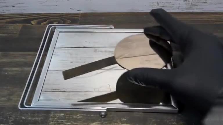 原来铜镜真的可以打磨的比玻璃镜更亮