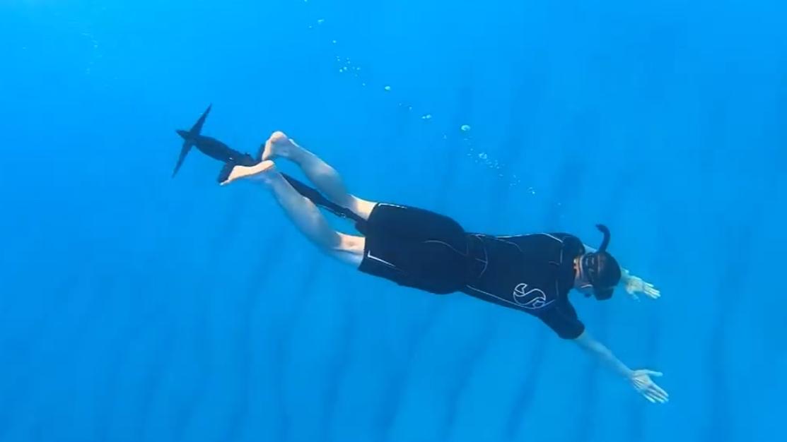 用一个管子做的水下自行车,时速近8公里,让你像鱼一样飞驰