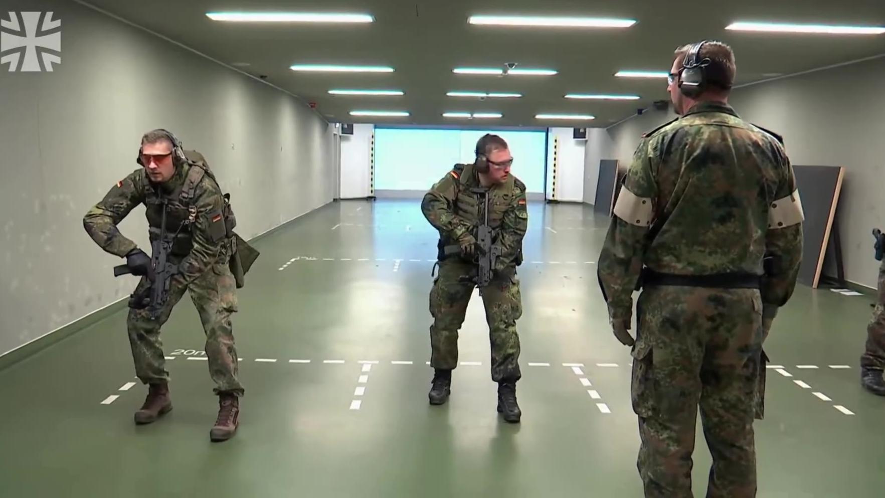 德国国防军MP7冲锋枪射击介绍