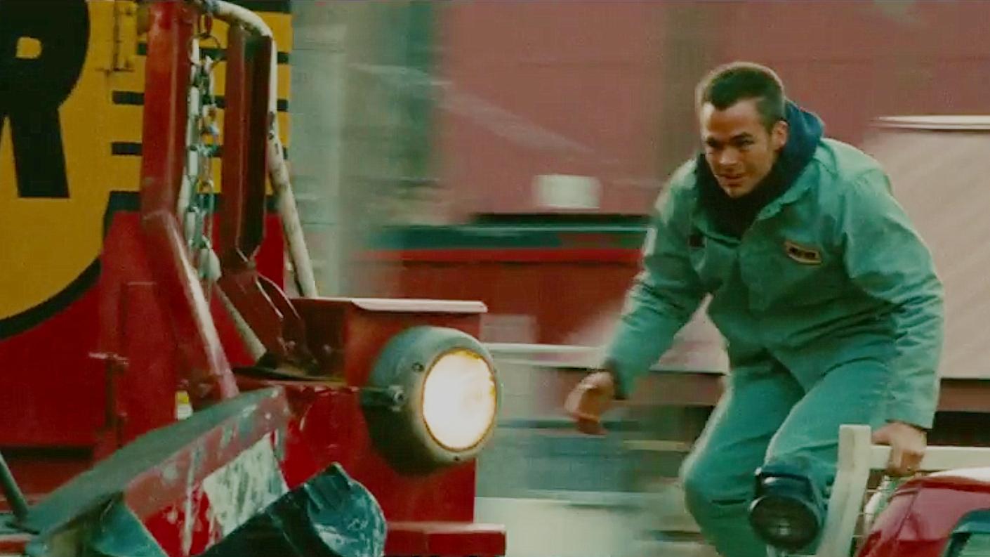 真实事件改编的灾难电影,男子跳上疾驰的火车,拯救了一座城市!
