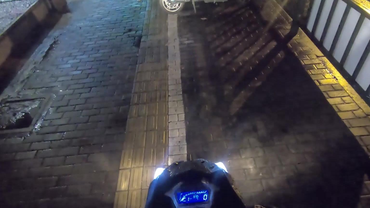 【大胃Vlog】喜提人生第一辆摩托~豪爵DF150~~价格便宜 动力还不错~~声音是真的好听~~