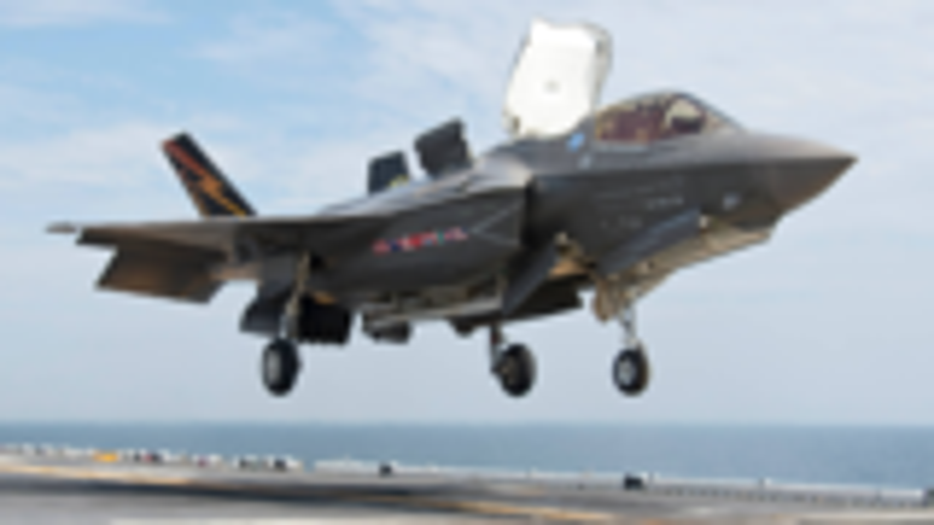 美媒:韩国计划购买20架F-35B战机 透露出要建造航母强烈信号