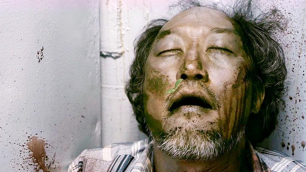 韩国又一部揭露人性的电影,没有了食物之后,人们开始人吃人