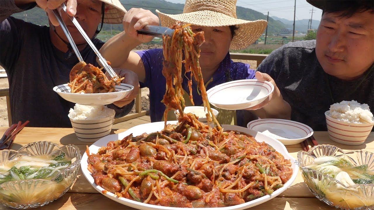 又到蒸茎海鞘的季节啦!我们都喜欢吃的美食,味道清爽肉很嫩哦!