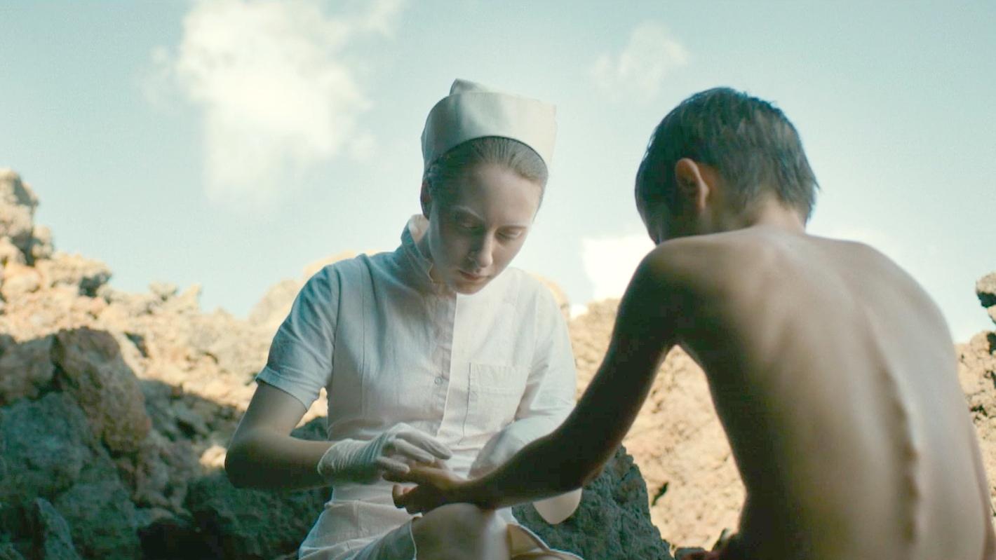 神秘小岛上全是变异的女人,男孩被掳到岛上,成了她们的实验品!速看科幻电影《进化岛》