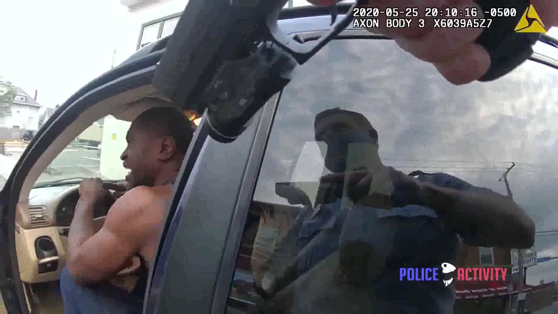 【I CAN T BREATHE!】美国警察执法录像:乔治·弗洛伊德被逮捕至被跪压致死全过程