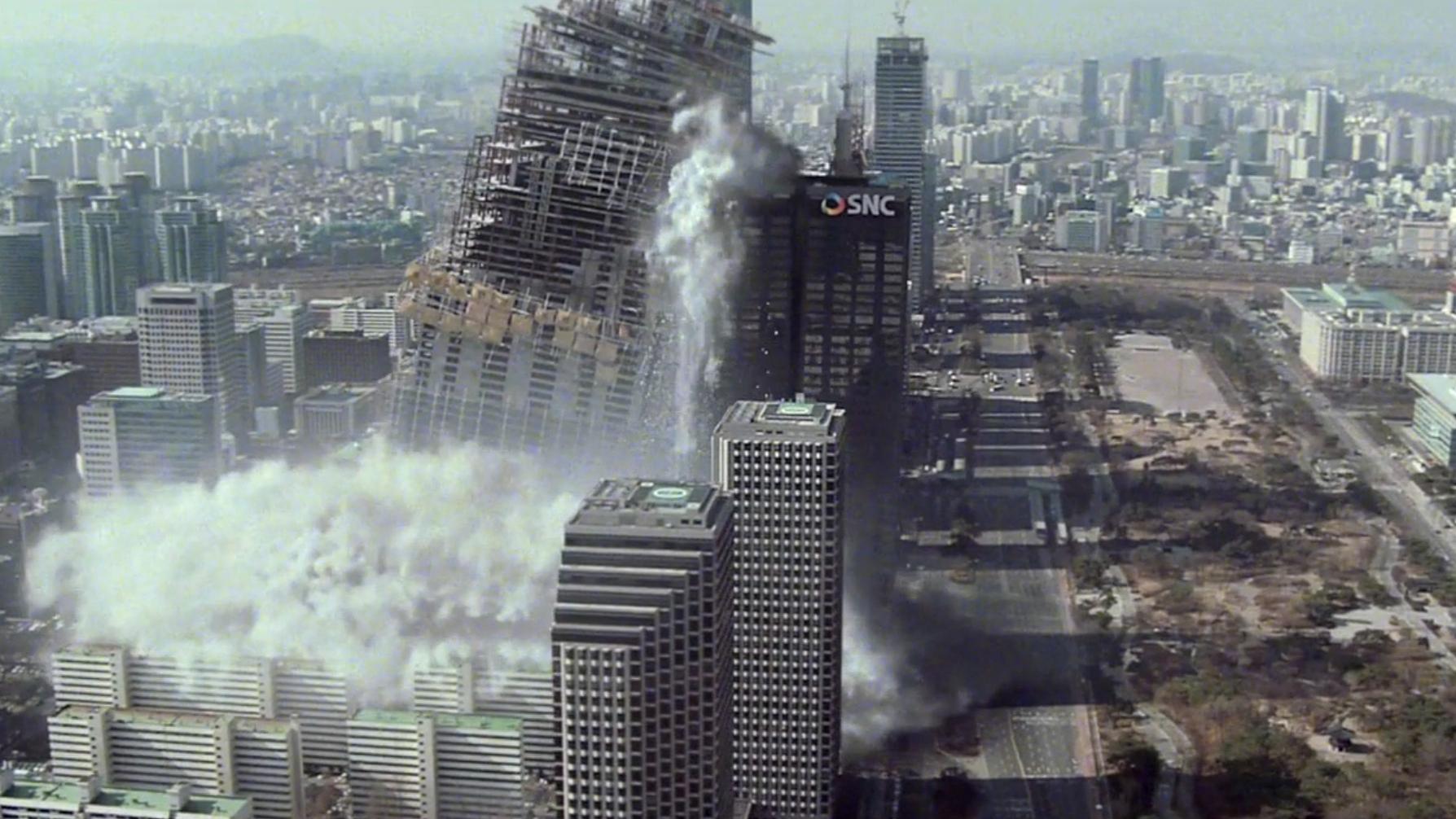 3名工人掉入水中,警察见死不救,工人儿子炸毁大楼要总统道歉!