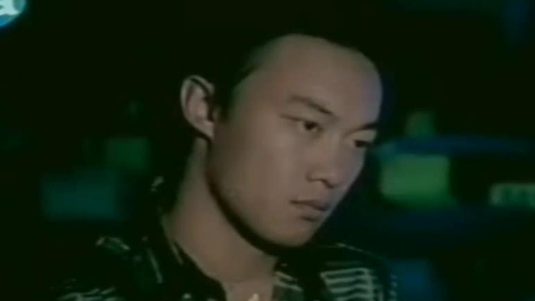 AC歌手【全世界失眠】