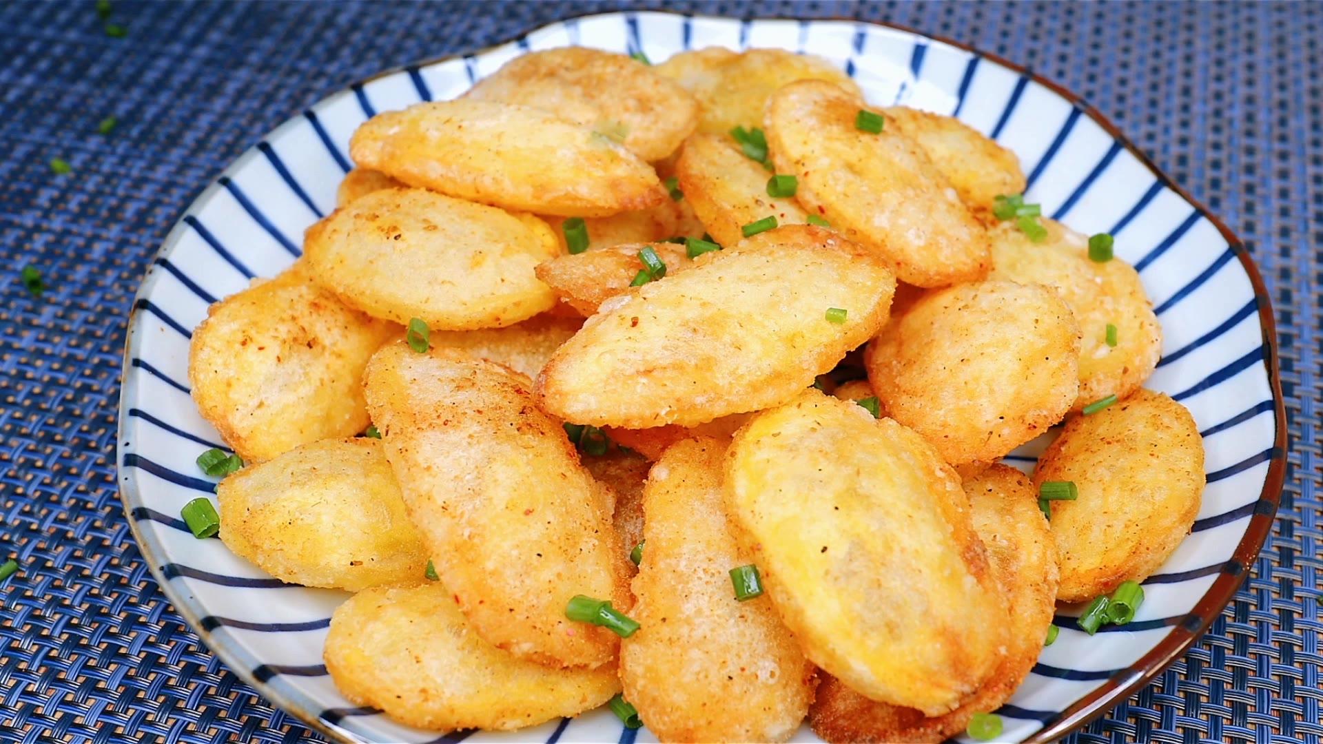 土豆这样做太香了,不炒不烤也不煎,个个都空心,出锅孩子抢着吃