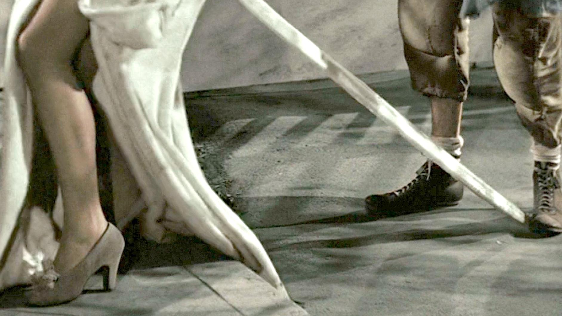 豆瓣9.3分,1946年上映的高分治愈神作,可惜看过的人太少了!速看奇幻电影《生活多美好》