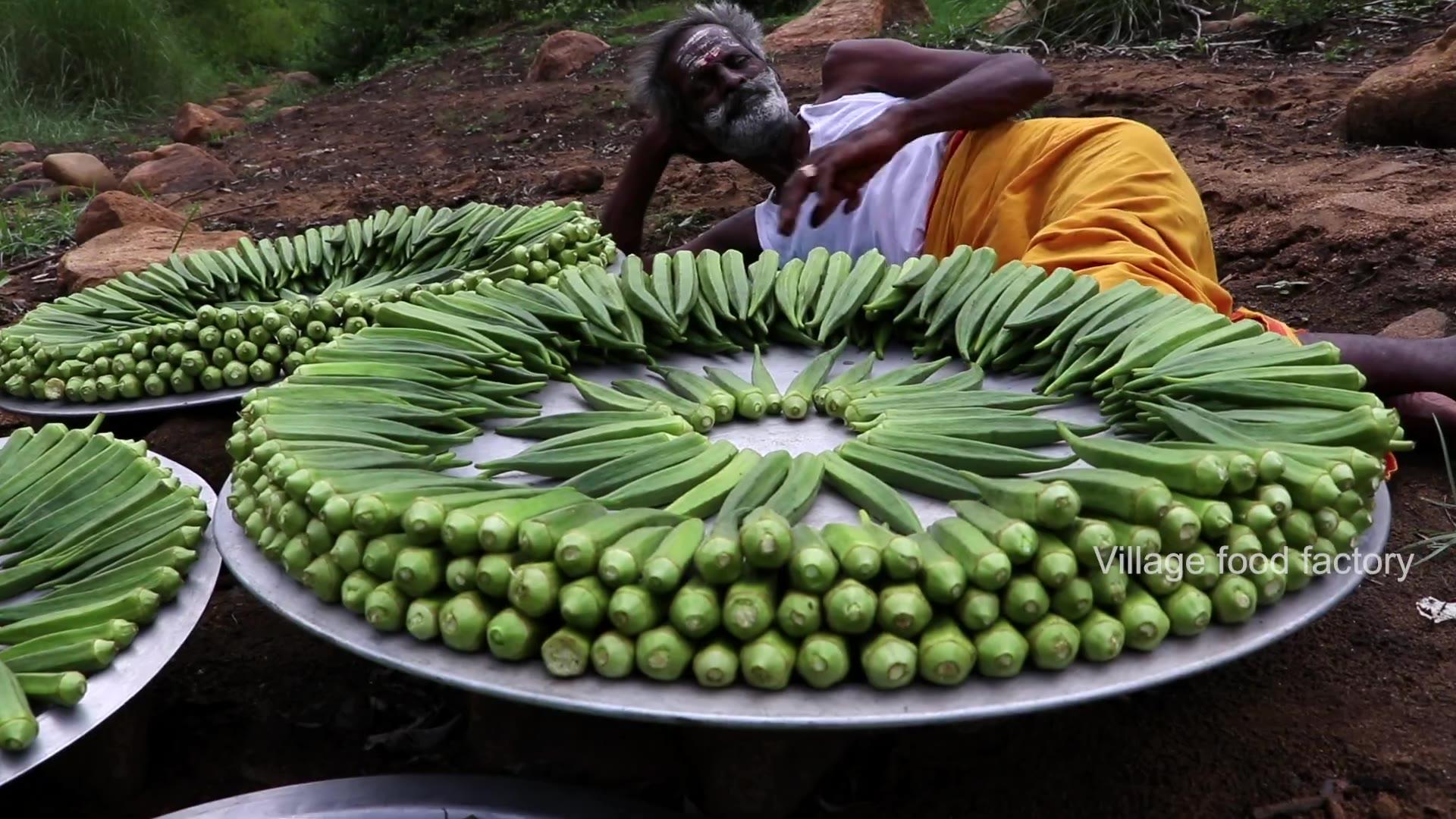 印度六指神厨做秋葵给流浪的人吃
