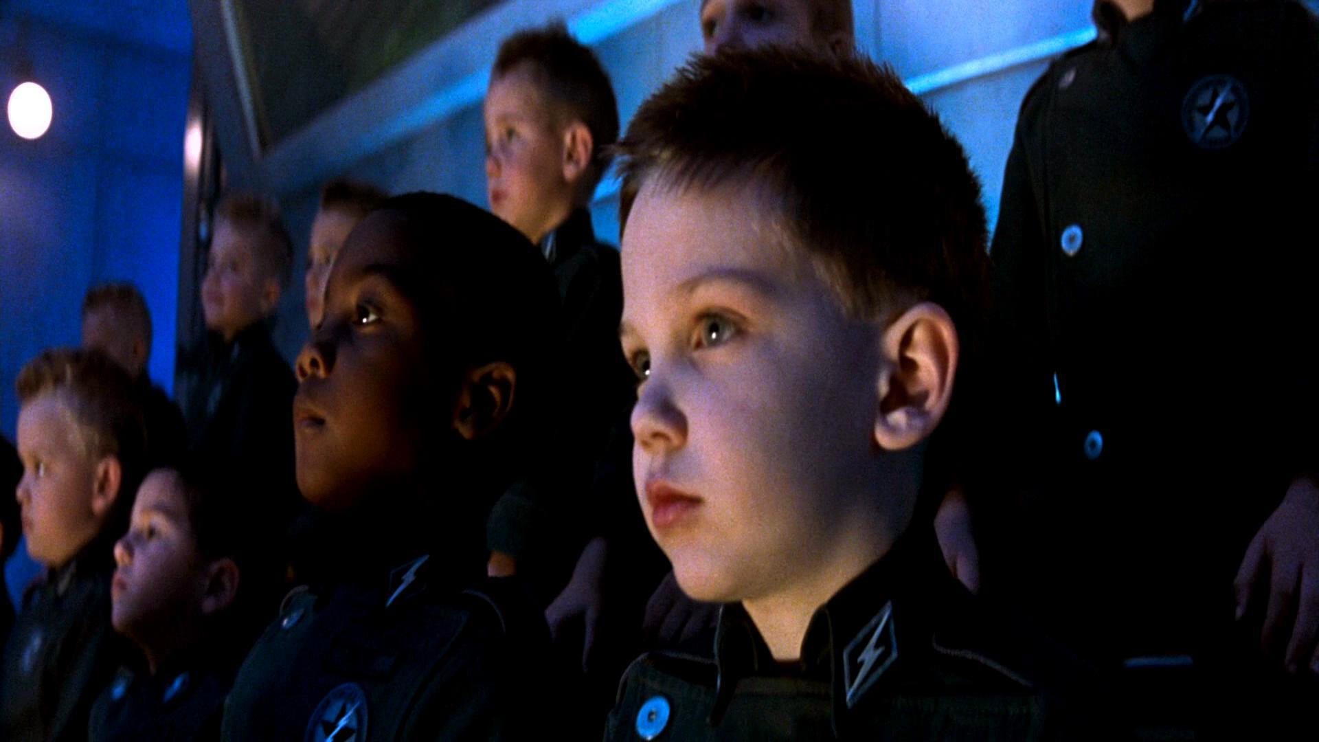 未来的孩子从出生就被分类,进行残忍的军事训练,不达标就会被杀