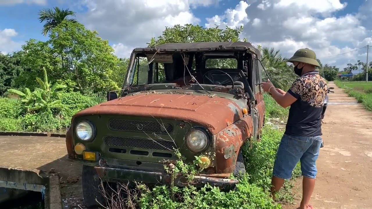 修复一台荒废生锈的苏俄UAZ瓦滋吉普汽车,括弧笑