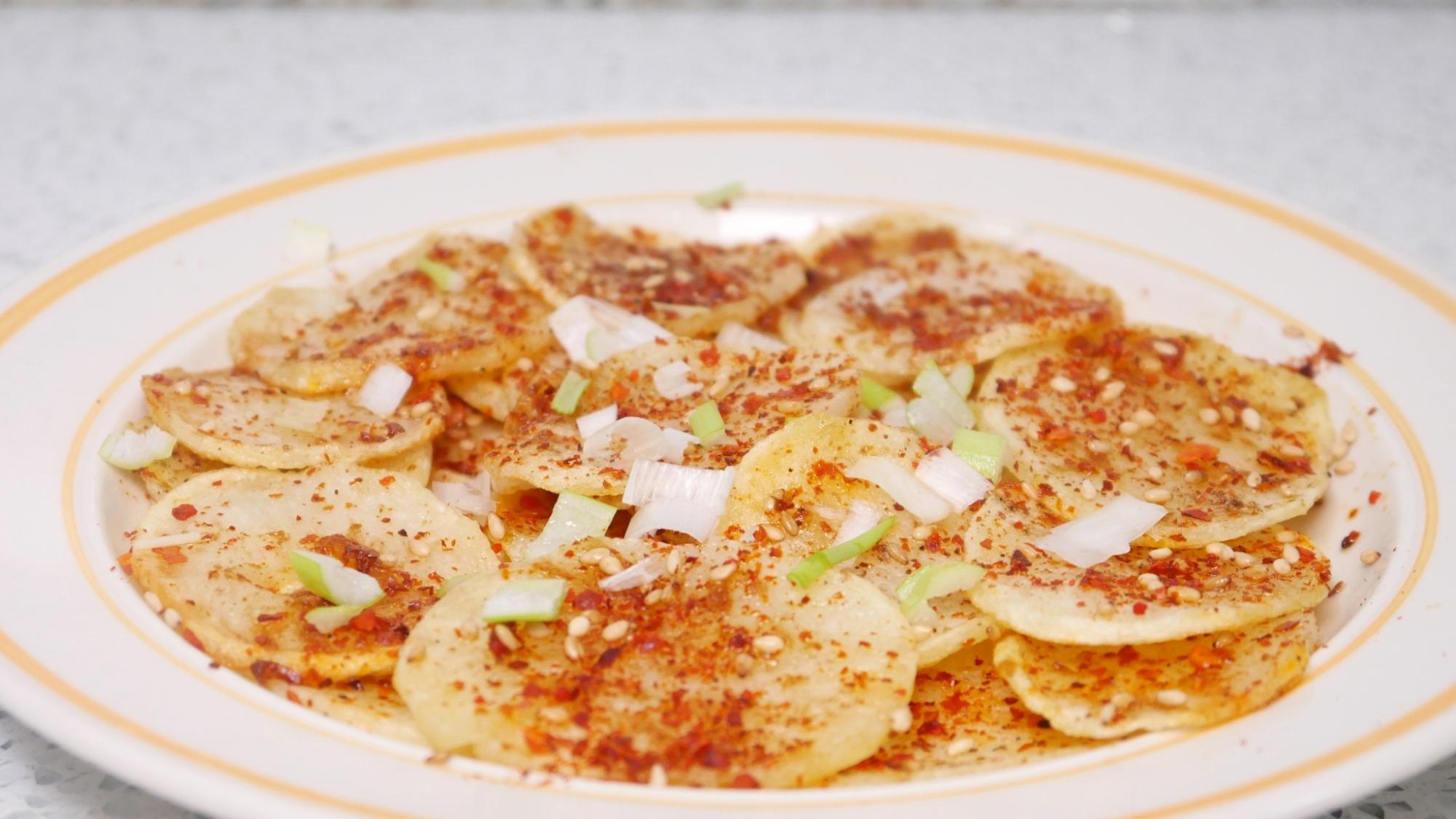 土豆这样做比薯片还香,焦香酥脆,做法简单,家里小孩争着吃
