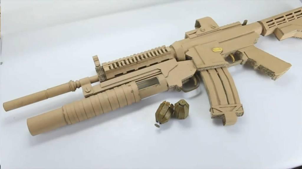 如何纸板制作硬纸枪和手雷玩具wgog913