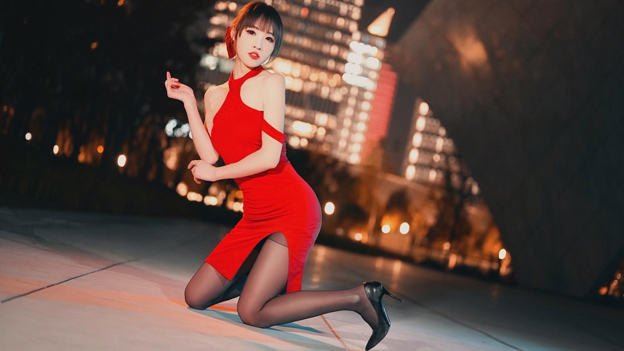 【巫小萤】AOA-短裙 Miniskirt  红裙高跟