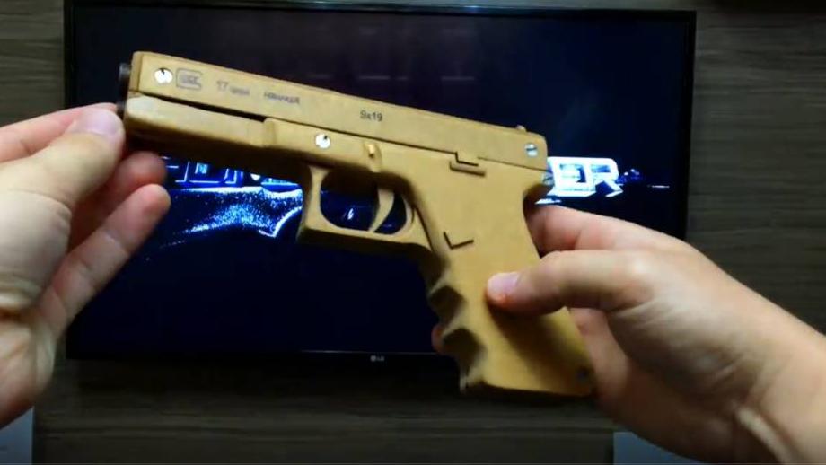 用硬纸板组装一把自动手枪DIY纸板制作型号wgog921-纸板手工制作