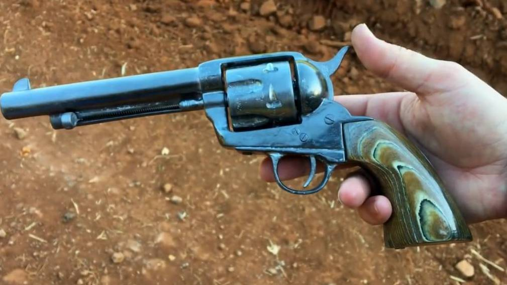 如何用纸板制作仿真西部牛仔左轮手枪 wgog922