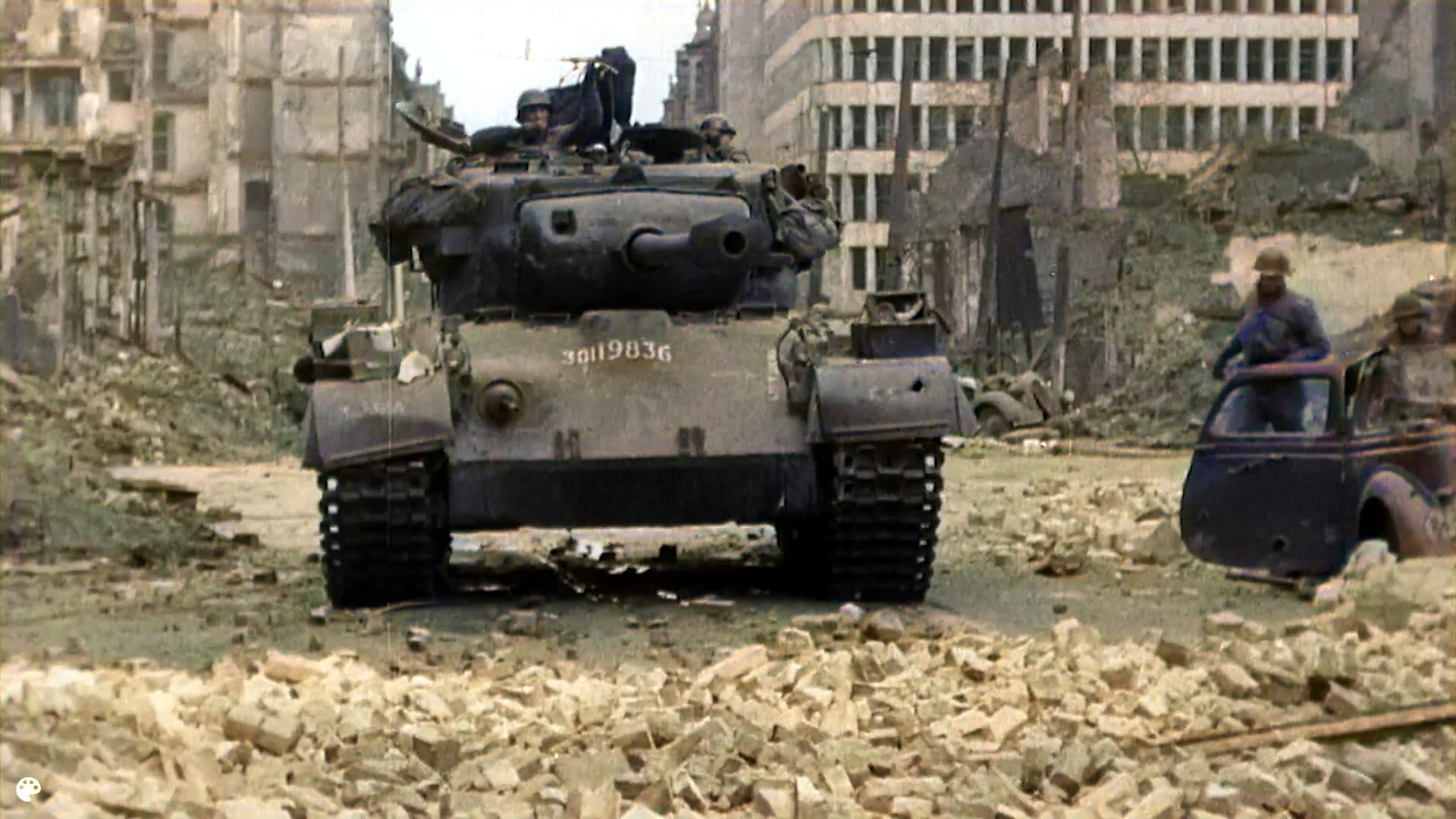 【AI色彩修复】1945年坦克城市战