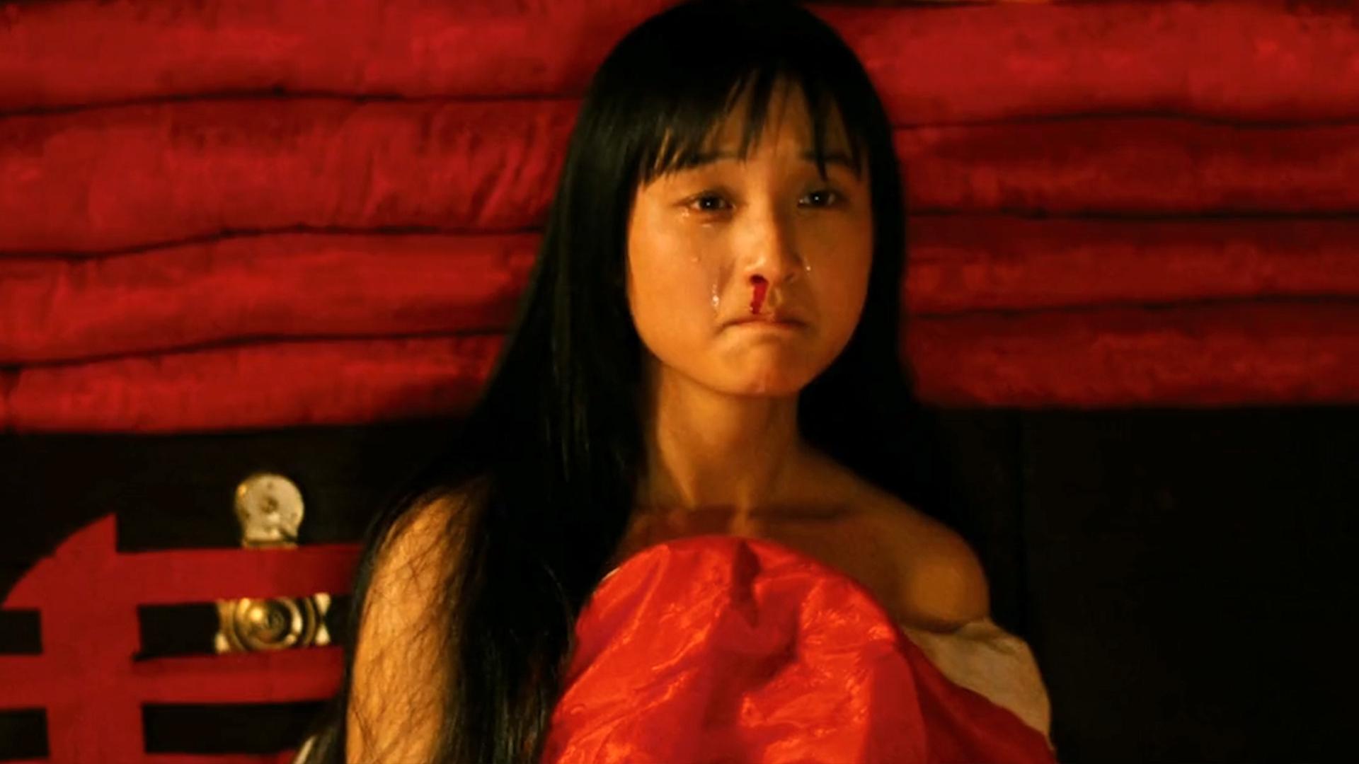 豆瓣8.1,这部国产片像剃刀一样无情,揭开了中国人最隐秘的疮疤!《血色清晨》