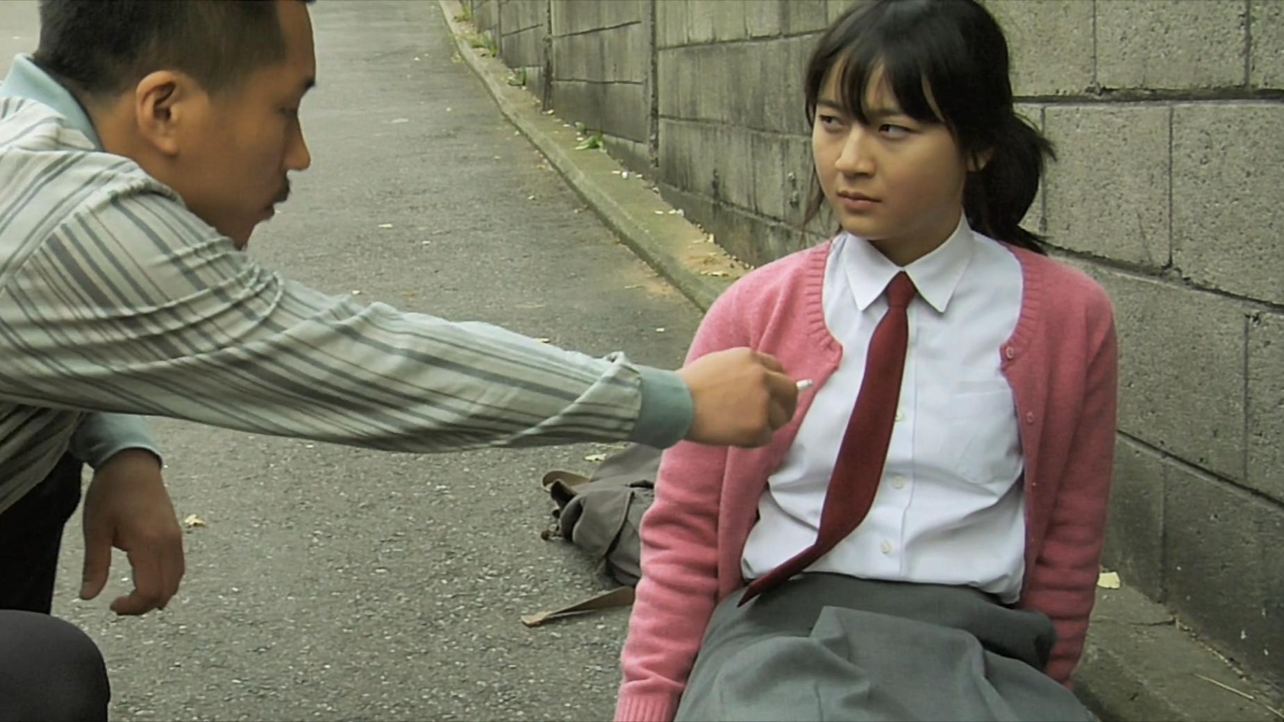 高中女生教混混重新做人,韩国剧情片《绿头苍蝇》,看完手直痒痒