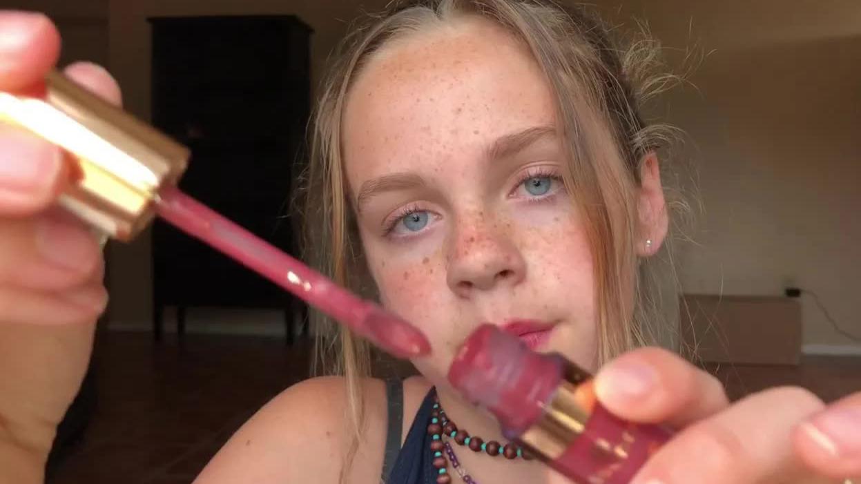 【Gracie K】 big sister does your makeup pt. 2!