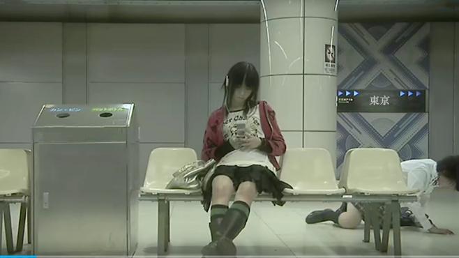 血的教训告诉你,女孩在外千万不要戴耳机,简直是太可怕了