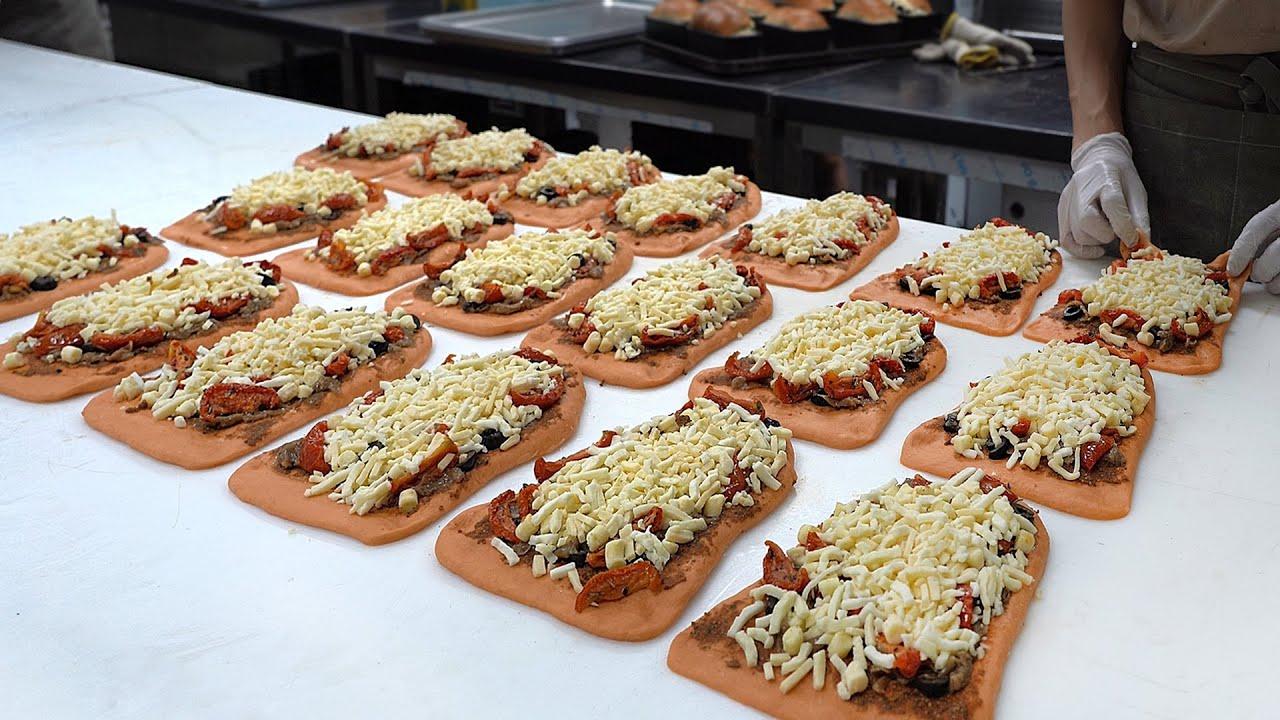 首尔排名第一的芝士炸弹面包在3个小时内销售一空!很棒的芝士炸弹面包,韩国街头小吃!