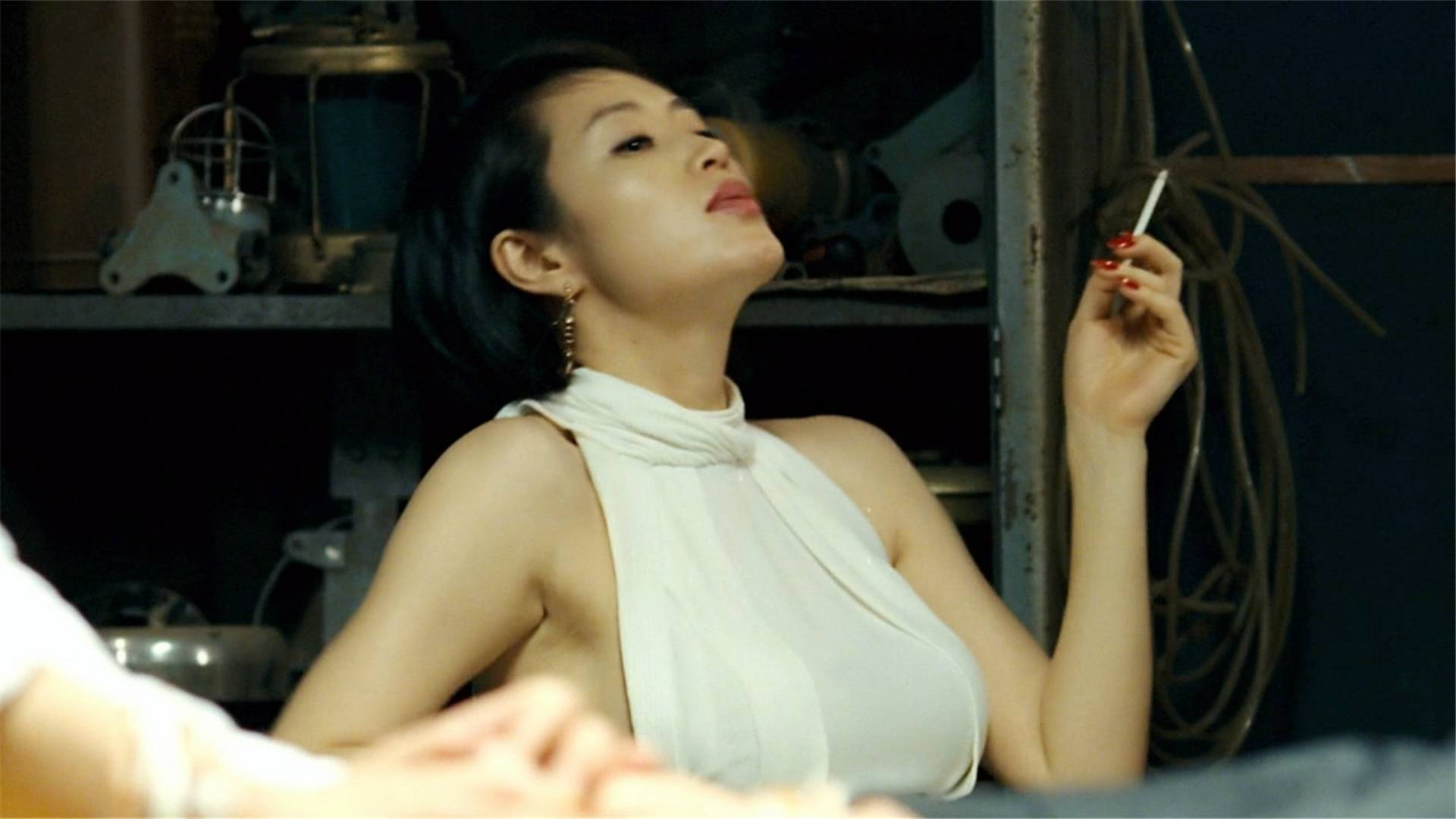 被称为韩国版《赌神》,老千的技术,连摄像机都拍不到!