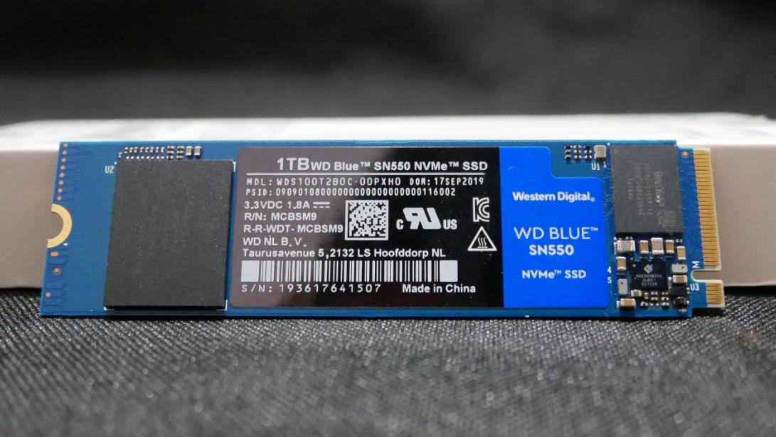 700大洋1TB的SSD水平如何?就算掉速还能吊打上期视频KONKA K520。【超A新生计划】