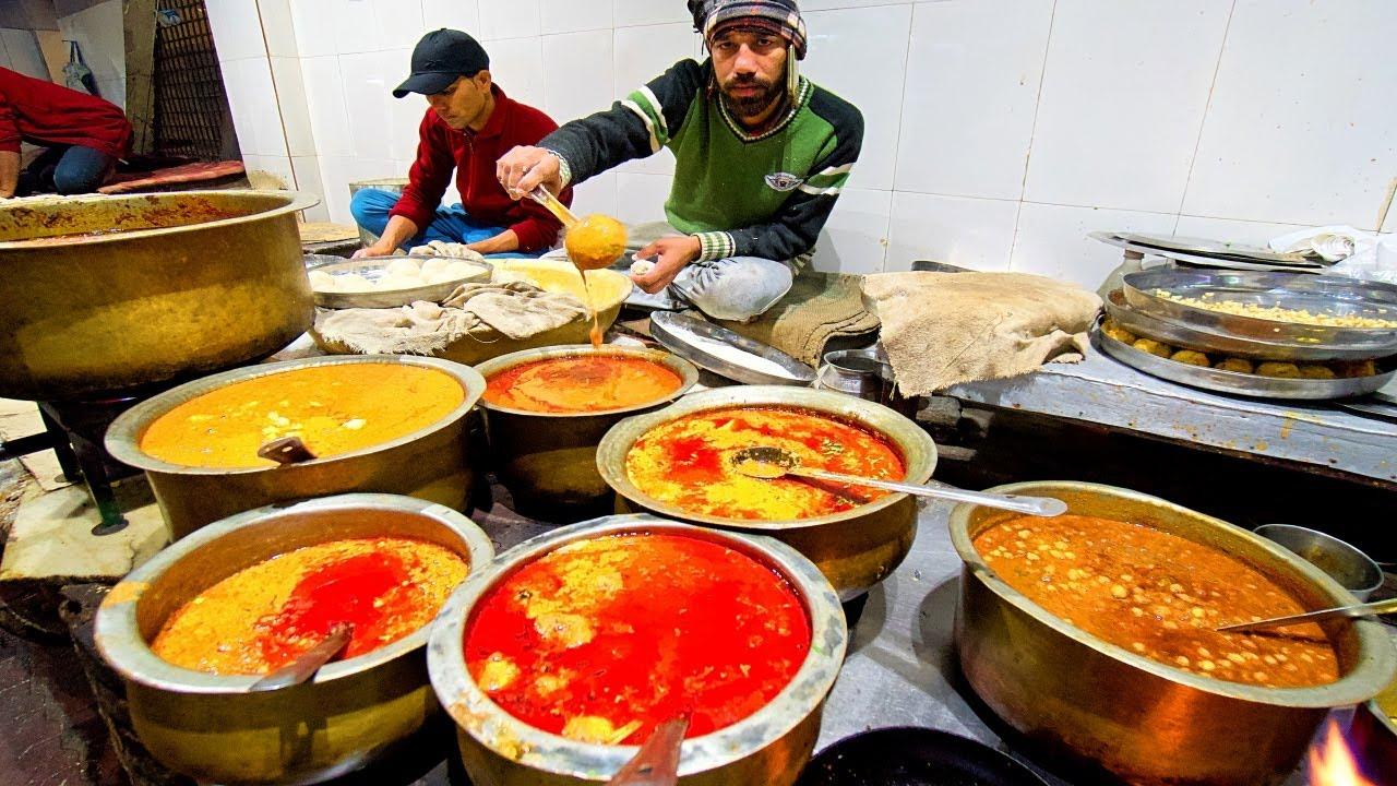 印度街头小吃,商贩表示忙不过来,印度人都超喜欢吃它