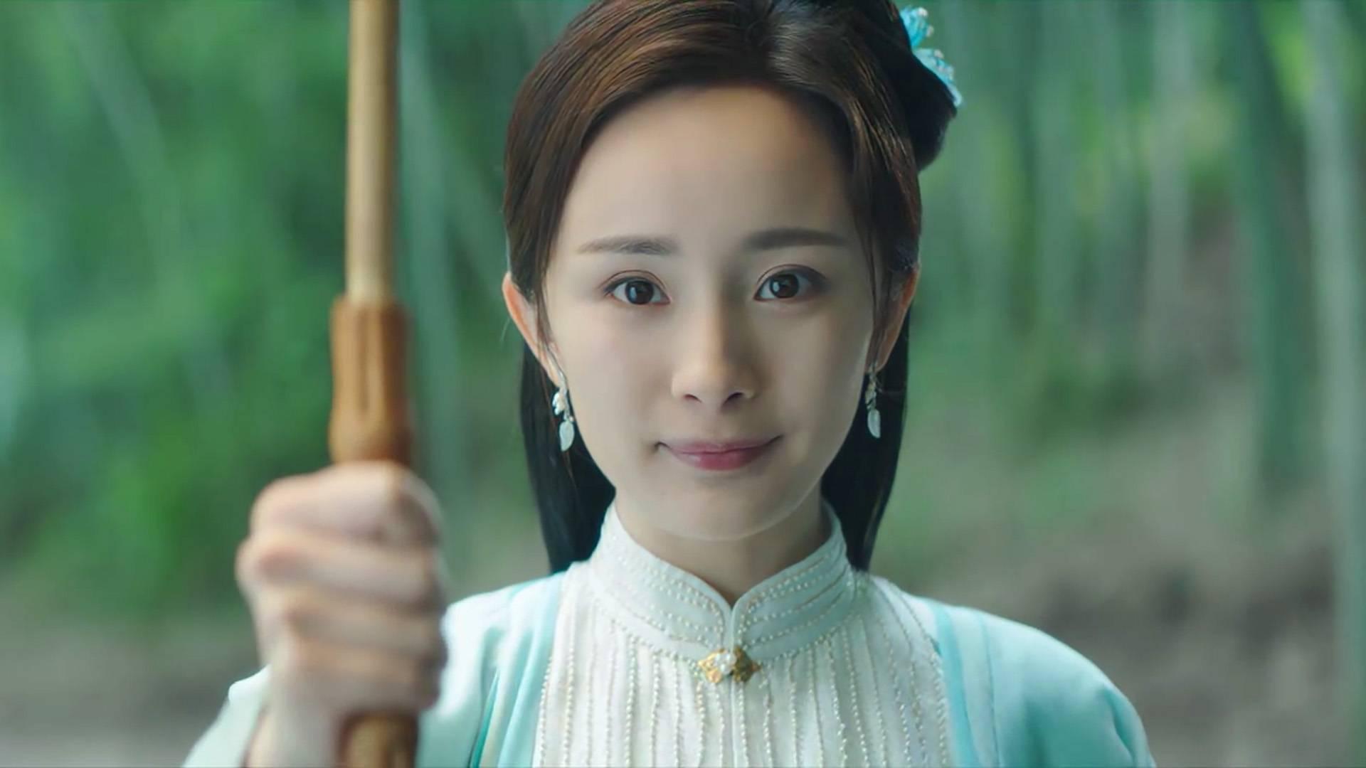 10月最热门的古风歌曲,撑伞接落花,仅凭一句粤语成为网络神曲!