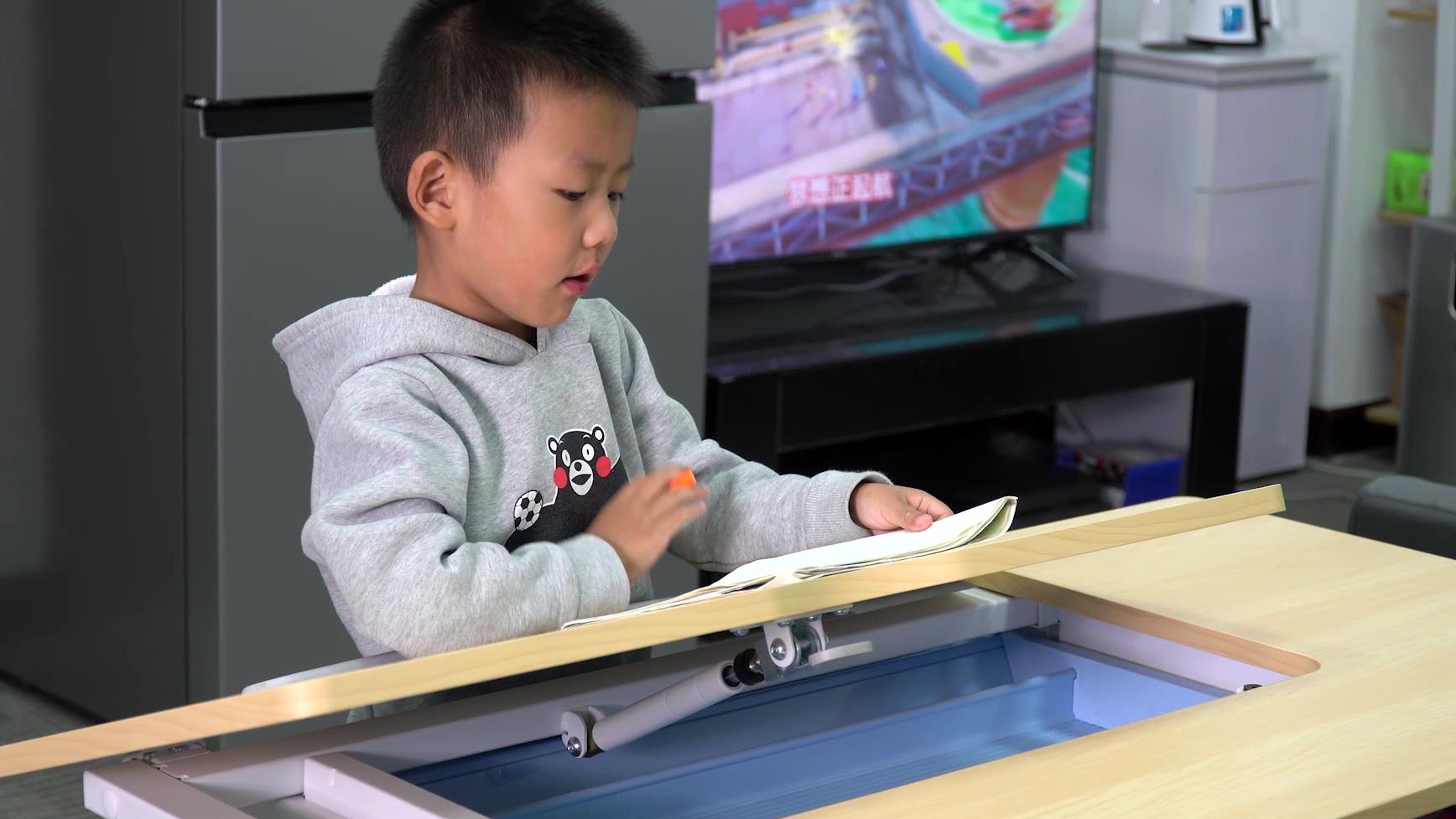 让孩子养成良好坐姿,今天聊聊乐歌EC2电动升降桌