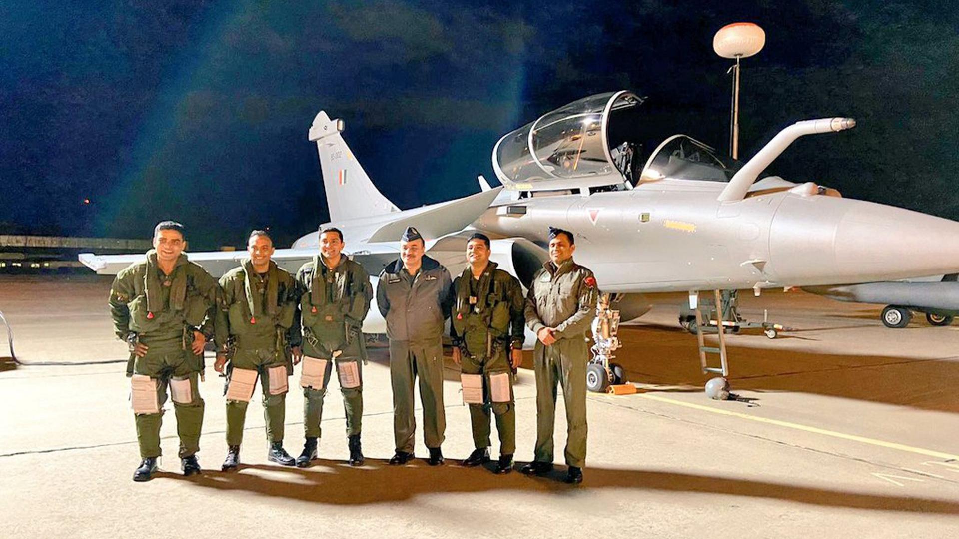 不间断飞行7000公里,印度阵风战机再到货,远程飞行彰显不俗性能