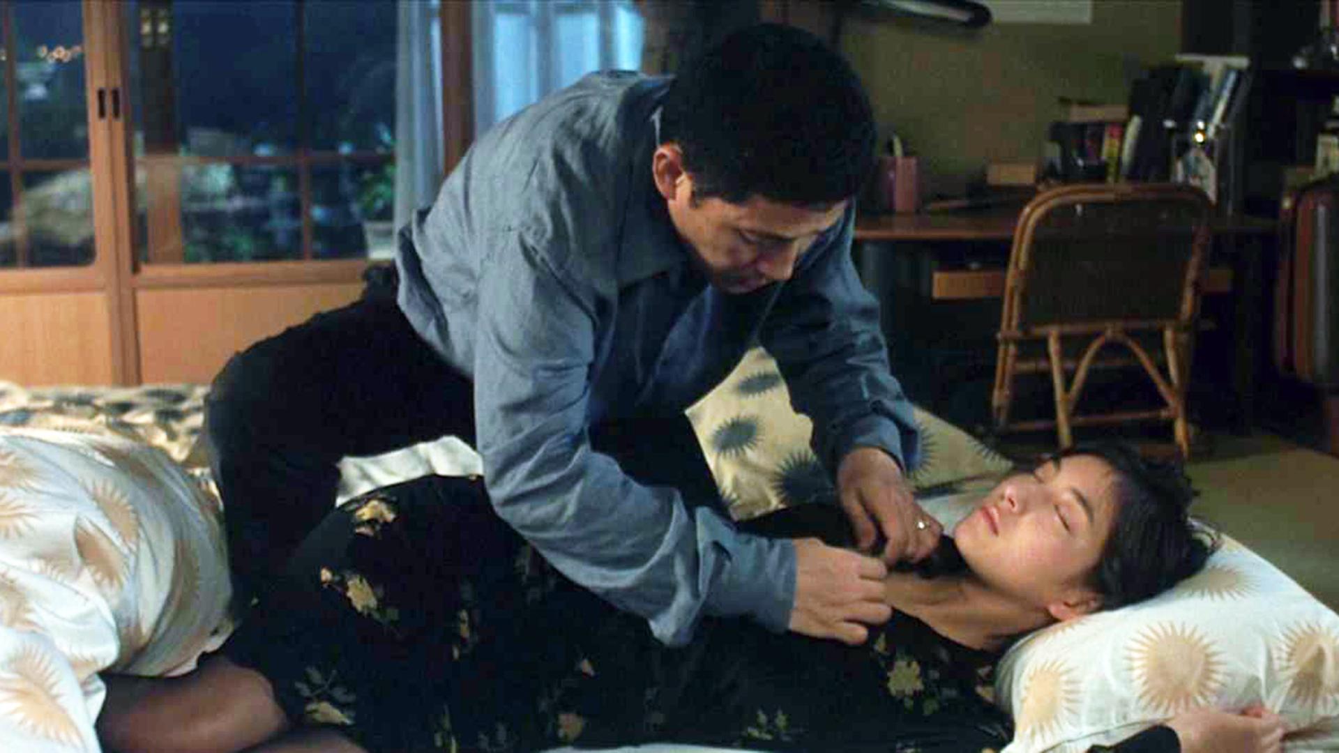 车祸后妻子灵魂进入女儿身体,丈夫左右为难,选择将妻子嫁给别人