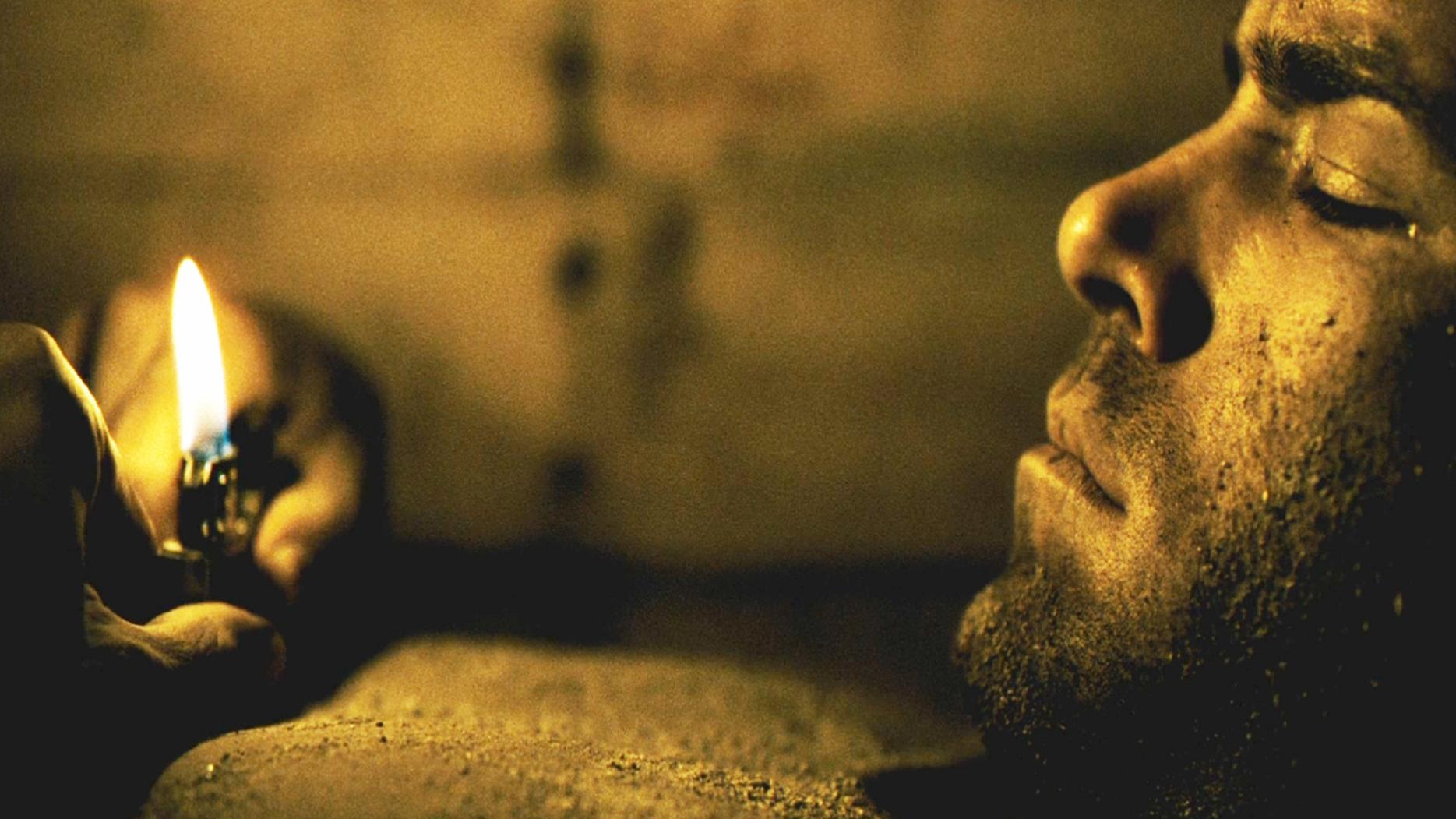 《活埋》:一个男人,一口棺材,一部手机,他是否能活着出去?