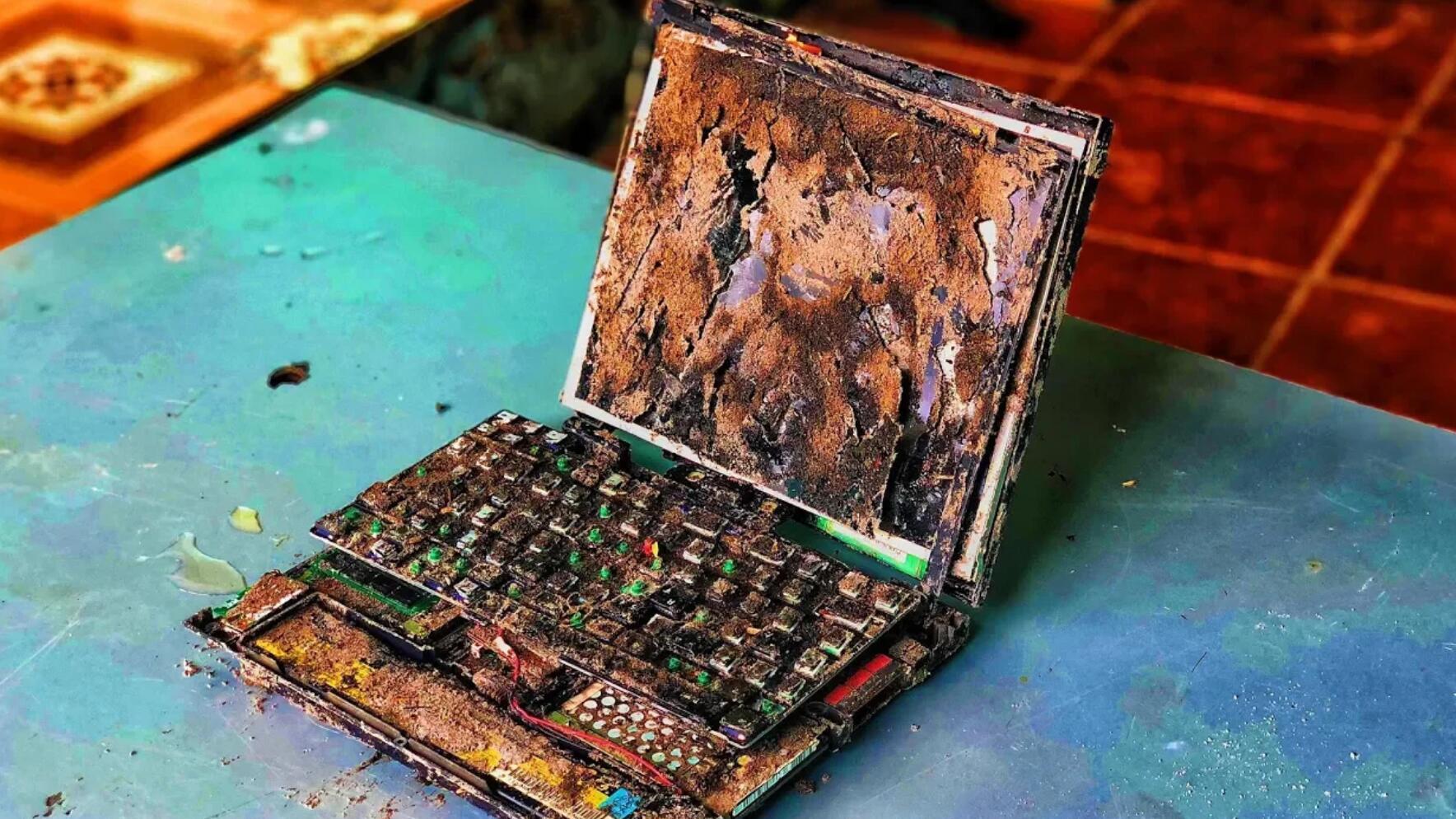修复垃圾堆捡到的联想笔记本电脑
