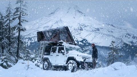 【欧美露营】在暴风雪中独自冬令营-我的吉普车生活