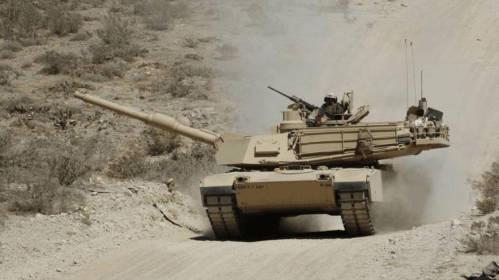 60吨坦克如跑车一般轻松,为什么美国坦克要用航空发动机?