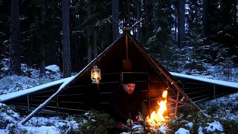 【欧美露营】在雪和冰中进行的3天冬季Bushcraft-帆布雨披庇护所-驯鹿皮上睡觉