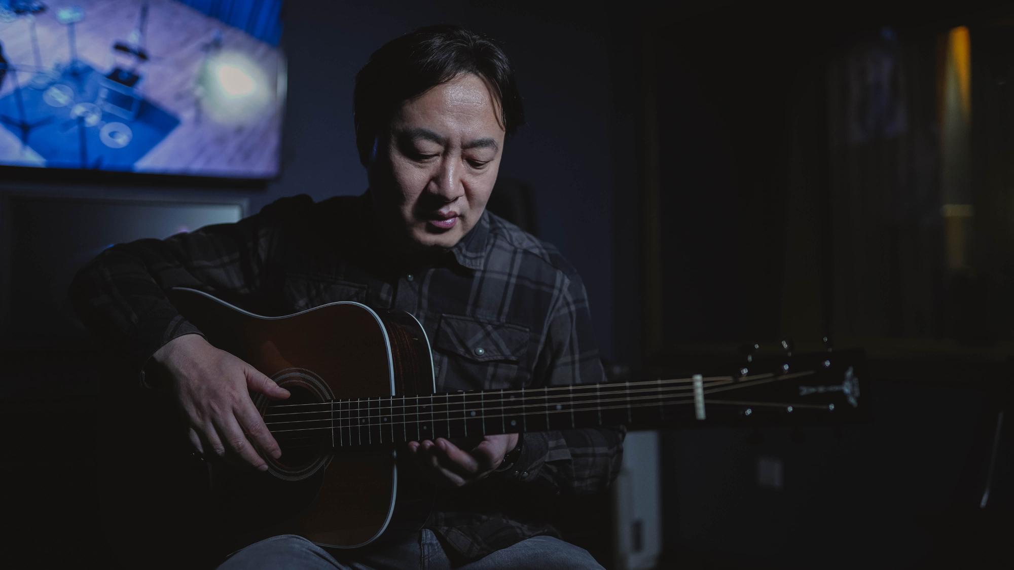 左小、赵雷、南京市民B哥的合作伙伴S.A.G怎么看国产吉他?