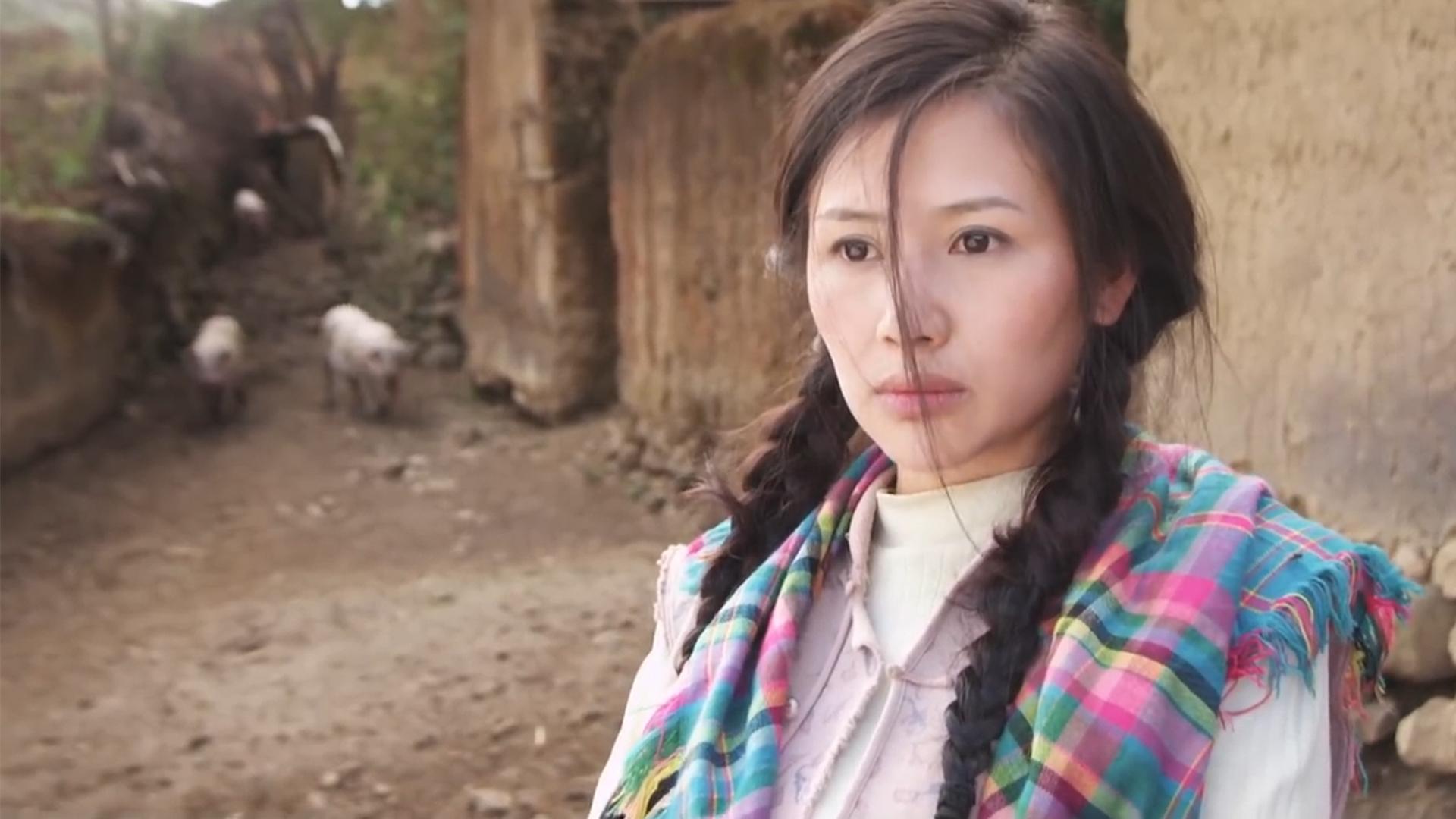 真实无比的农村电影,道尽农村留守妇女难以启齿的痛,结尾太心酸《系红裤带的女人》