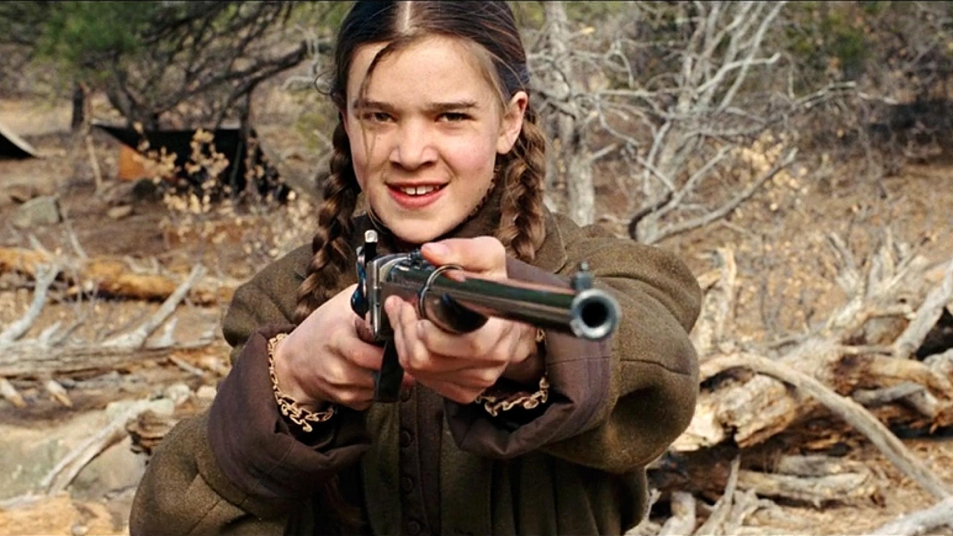 14岁少女扛枪骑马,闯深山和土匪抗争,买凶杀人只为给父亲复仇