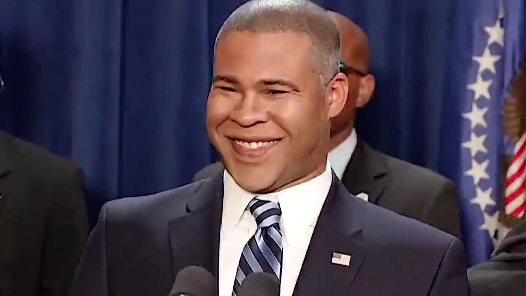 《黑人兄弟》:反向歧视,狠起来连自己都黑,哈哈