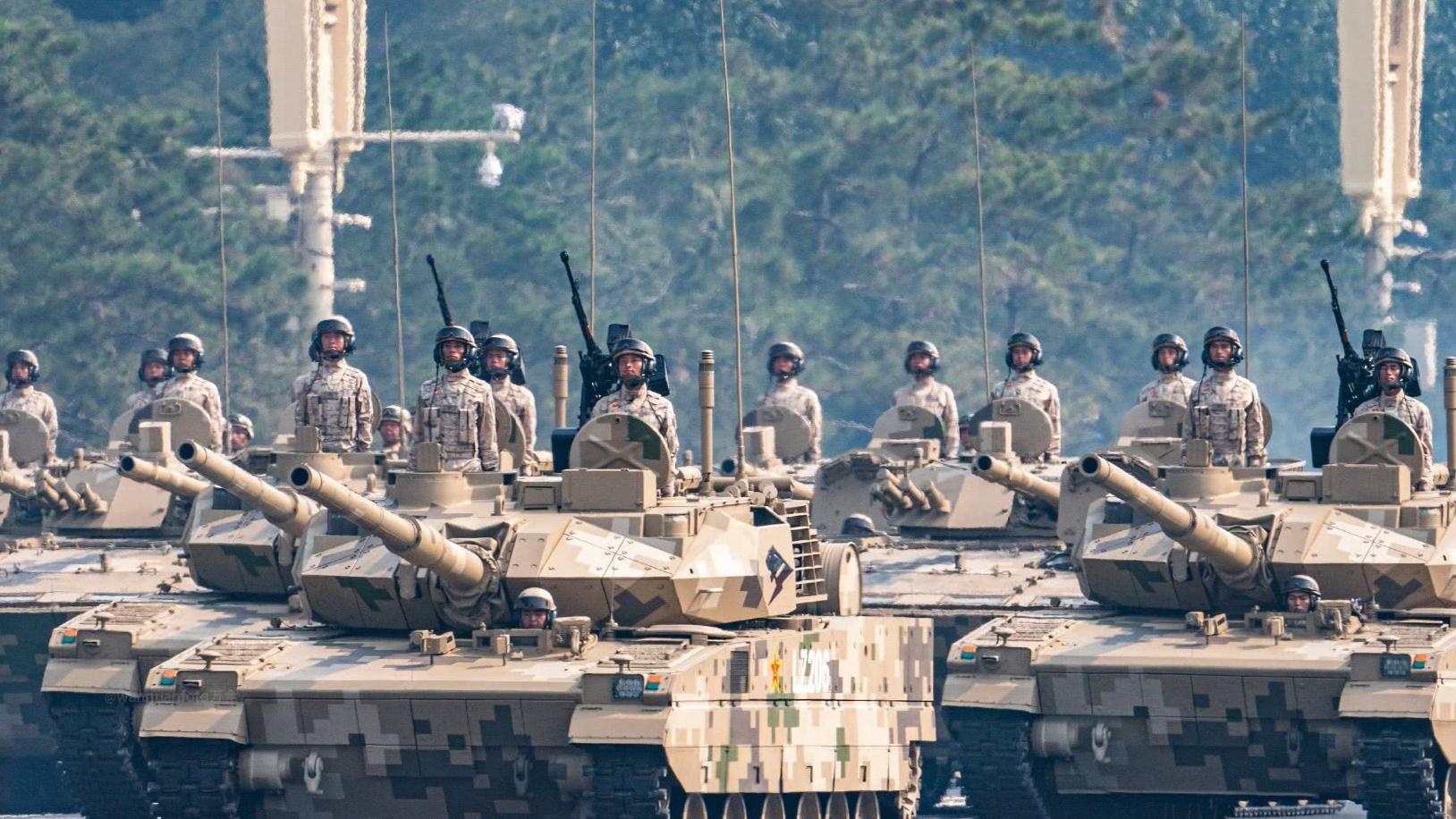 挺进高原,15轻坦首次列装新疆军区,或将直面印度坦克