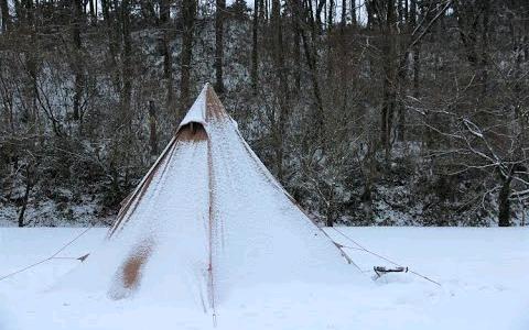 【日本露营】冬季下雪单人野营后篇-用柴火炉做饭冬季露营