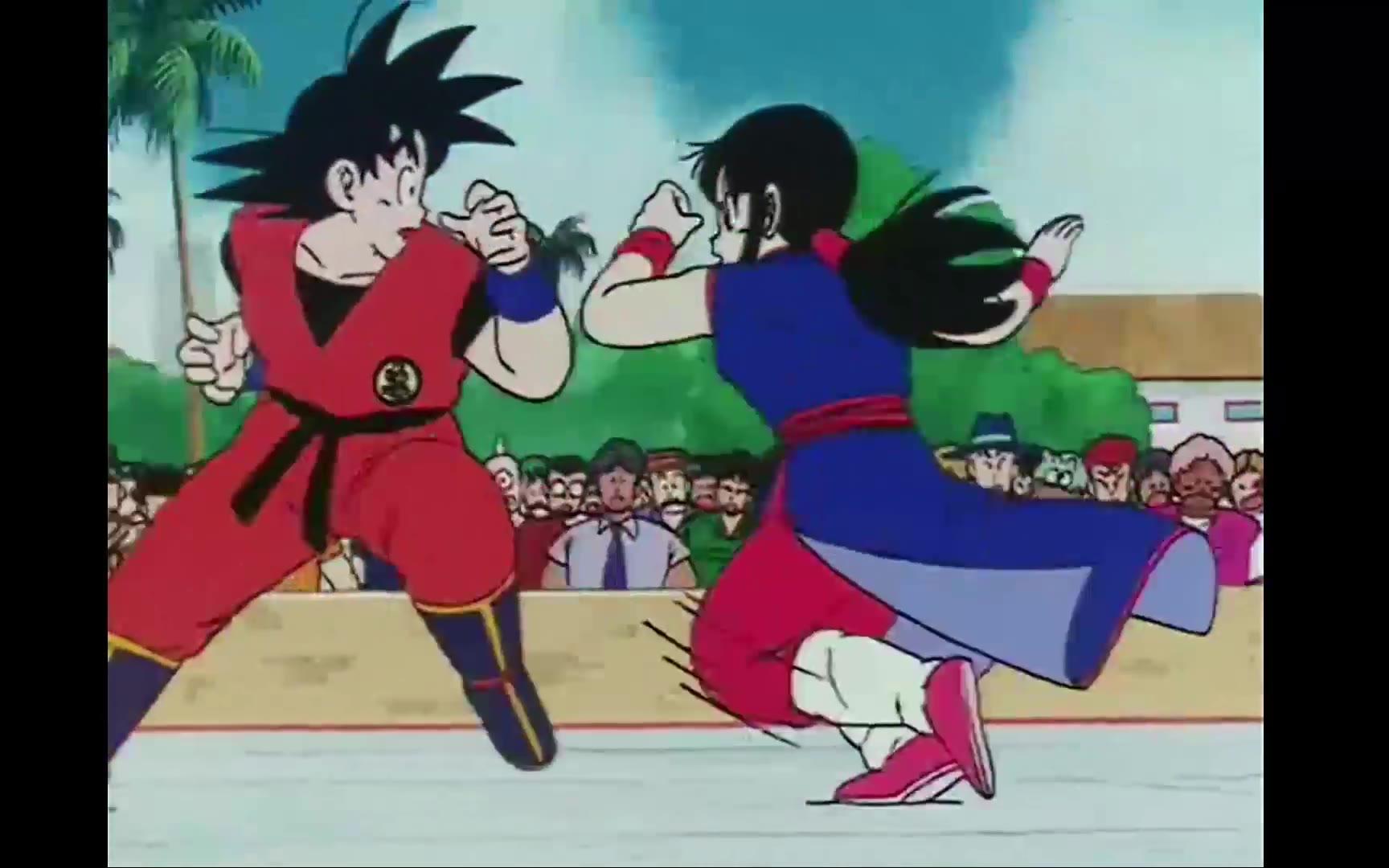 《七龙珠》片段:悟空和琪琪在武道会相遇比赛并结婚,在众人面前撒狗粮引起秃林不满