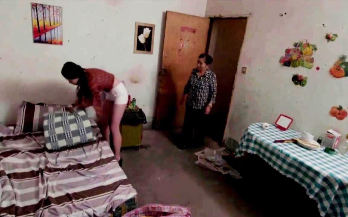 农村夫妻进城打工,媳妇受不住诱惑,出租房成了发泄欲望的地方