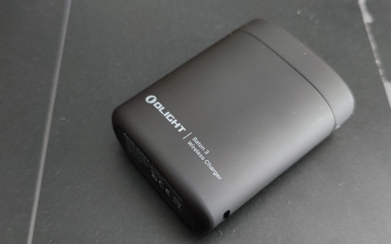 【实用推荐】便携神器!傲雷Baton3智能充电盒版测评